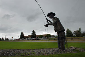 Ennis Montana Fly Fisherman Statue Video
