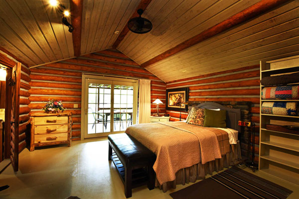 Queen Bedroom In Log Cabin, C Bar 3