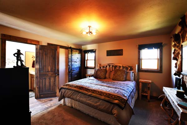 The Trapper Cabin bedroom