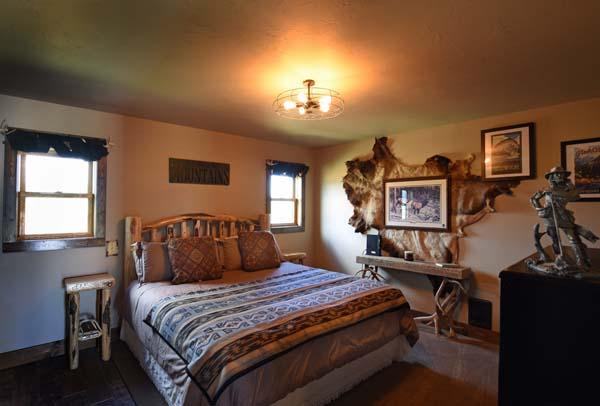 The Trapper Cabin bedroom 2