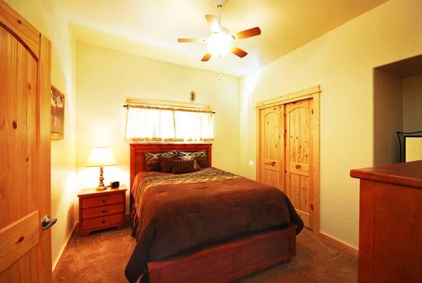 Moores Creek Hideaway Queen Bedroom